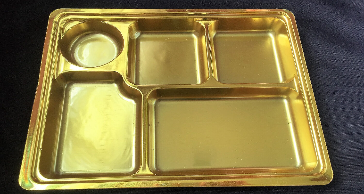 5 compartment gold disposable plastic plate