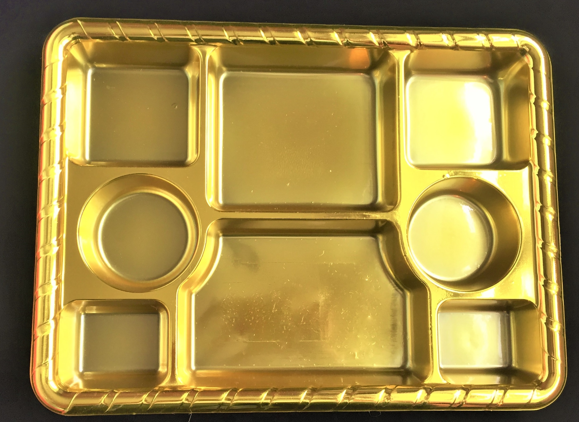 8 compartment gold plates